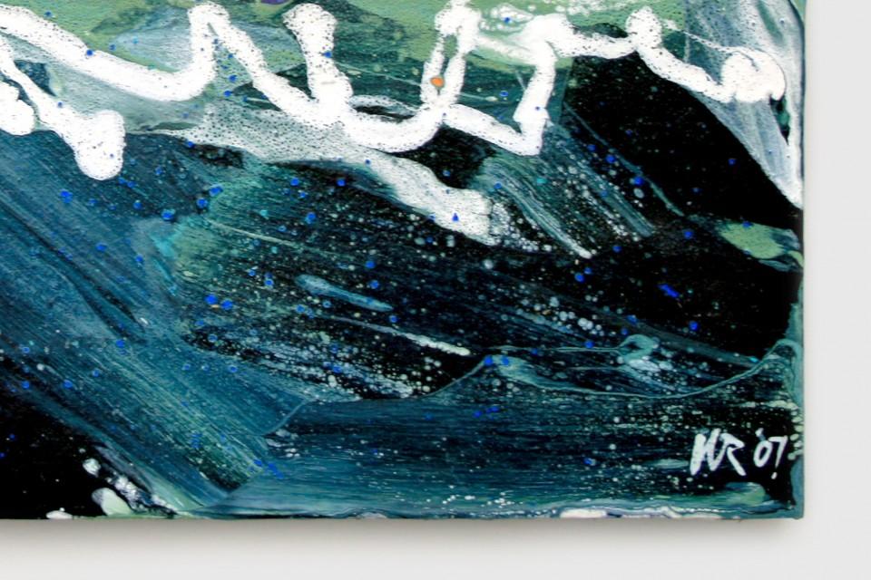 Sail-on-turf-signature-detail